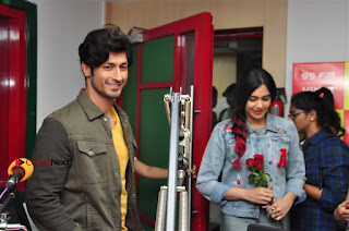 Vidyut Jamwal Adah Sharma Commando 2 Movie Team at Radio Mirchi 95  0050.jpg