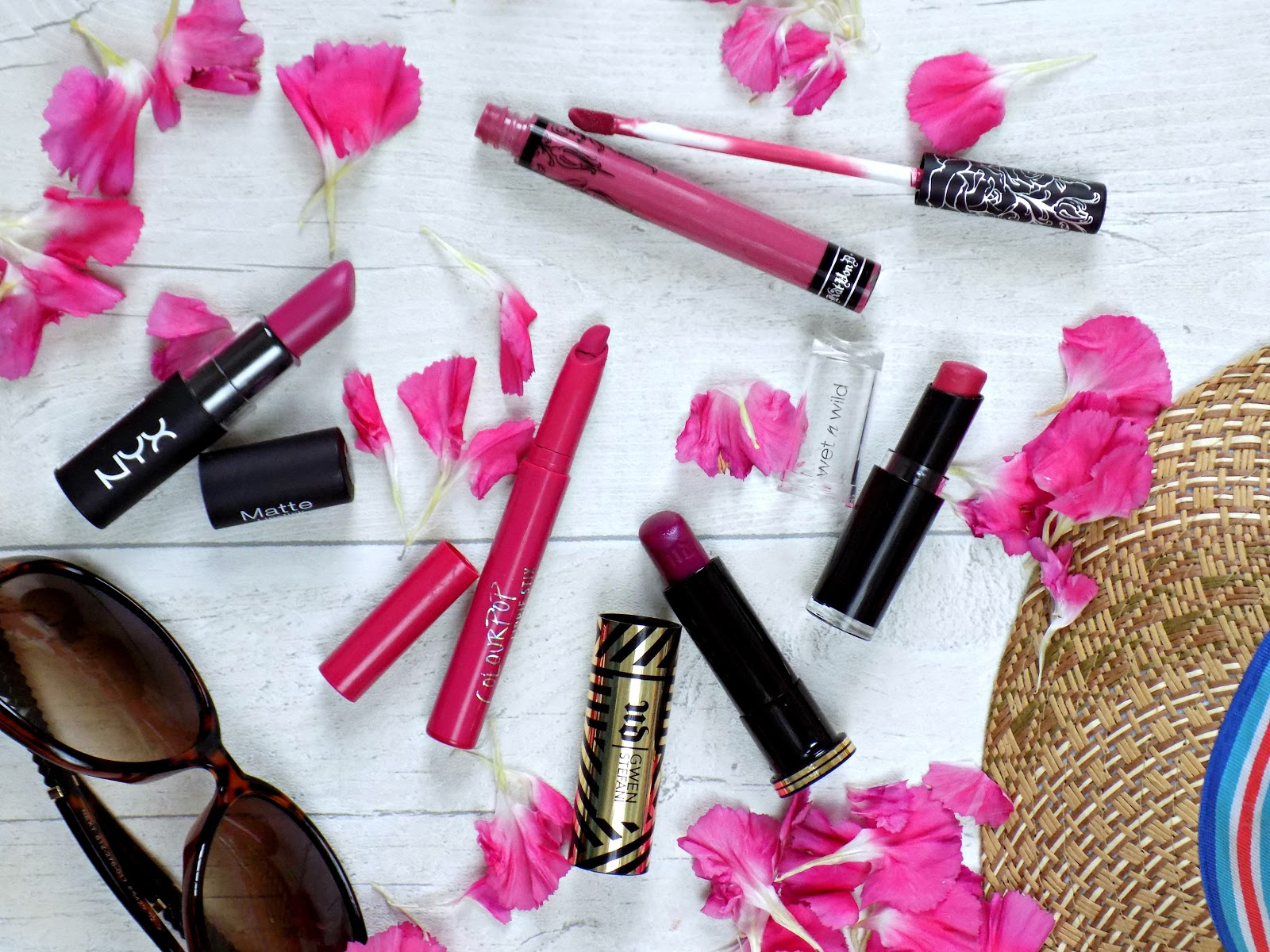Summer hot pink lipsticks