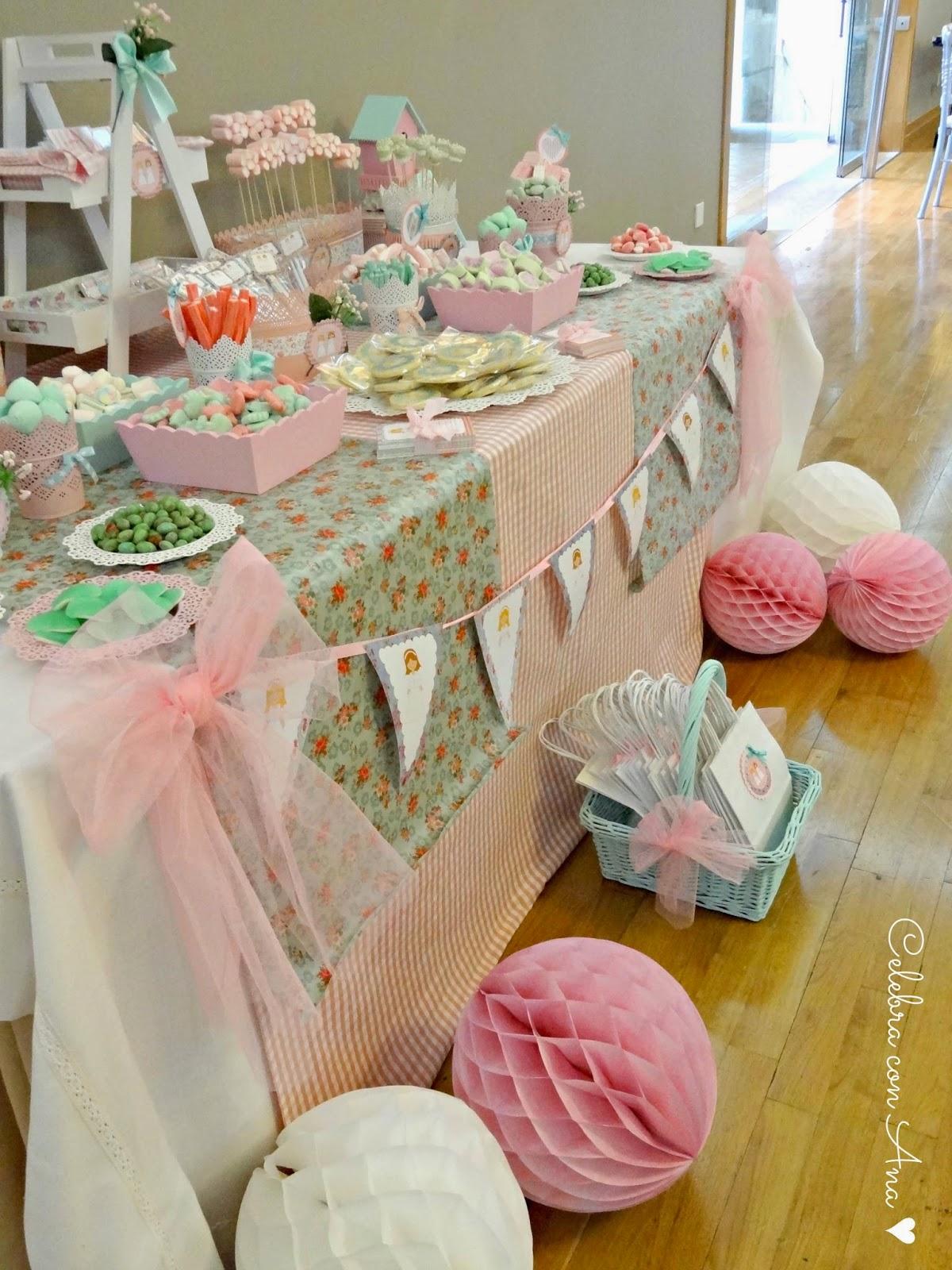 Celebra con ana compartiendo experiencias creativas primera comuni n shabby chic - Ideas para decorar mesas de chuches ...