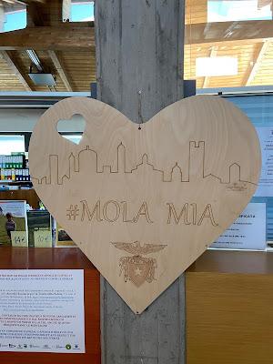 Sign - Mola Mia