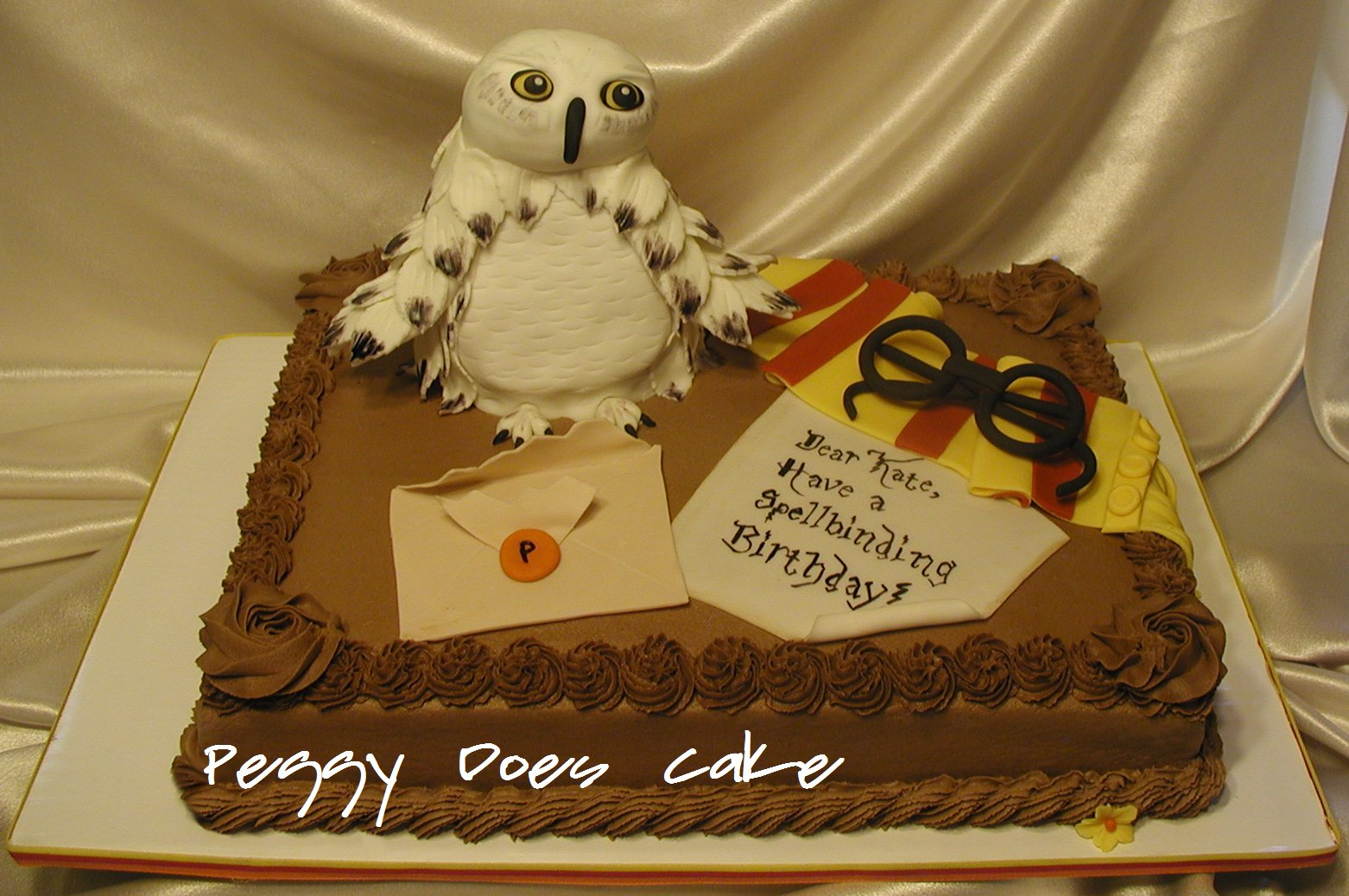 Peggy Does Cake Kate S Harry Potter Cake Feat Hedwig