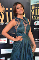 Shriya Saran having fun in a lovely fit gown at IIFA Utsavam Awards 2017  Day 2 at  18.JPG