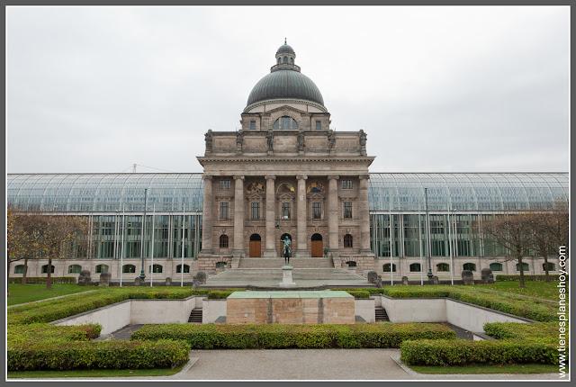 Bayersiche Staatskanlei Munich Alemania