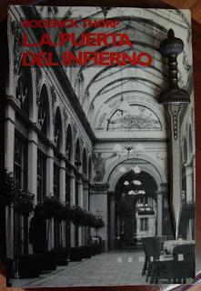 Portada del libro L. A. Puerta al infierno, de Roderick Thorp