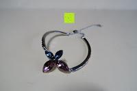 Erfahrungsbericht: Neoglory Jewellery mit Swarovski® Elements Armreif Schmetterling rosa und blau