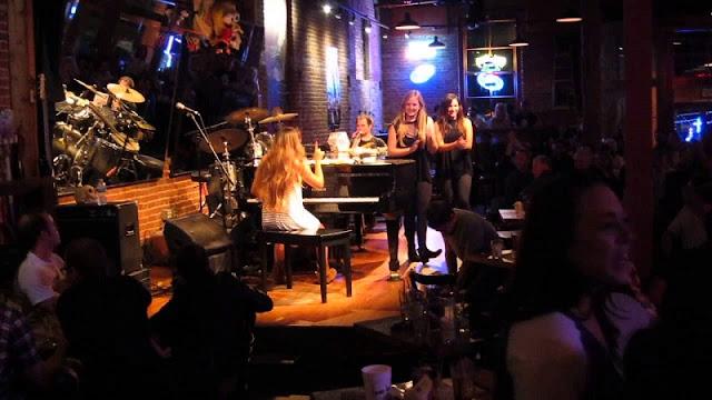 Música no The Shout em San Diego