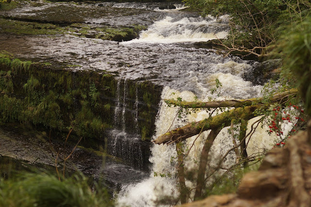 the four waterfalls trail Ystradfellte brecon beacons