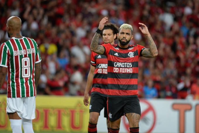 Flamengo joga mal, perde para o Fluminense e está fora da final da Taça Guanabara