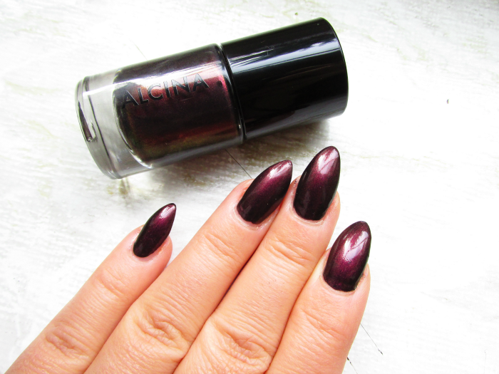 ALCINA Absolutely Fabulous Hot - Ultimate Nail Colour Nagellack in ruby
