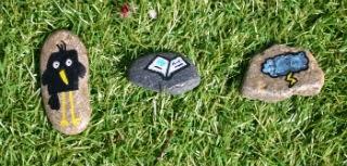 Fomentar la creatividad creando historias con piedras pintadas