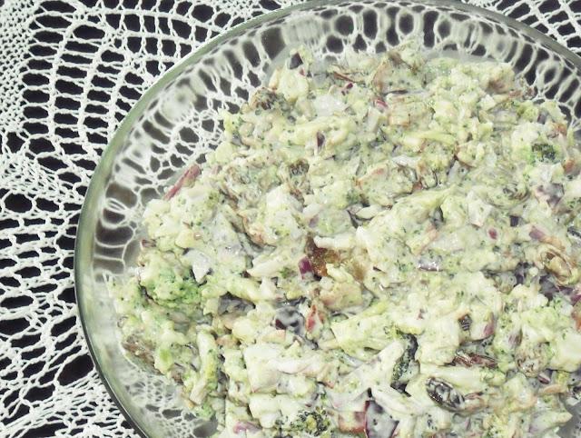 Sałatka z brokułem, pani domowa