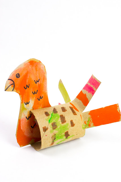 Cardboard Thanksgiving Turkey Crafts for Kids- Super easy fun using toilet rolls