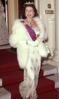 Glamour Begins At Home Fashion Fit For A Queen Or Duchess