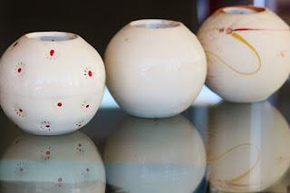 vas-bentuk-bola-toko-bunga-surabaya