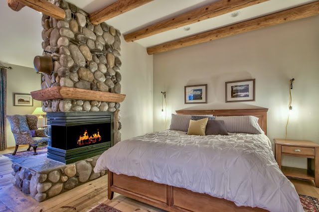 Black Bear Lodge is a unique lodging experience in the heart of South Lake Tahoe - with new owners as of April 2017. On the one acre property there are five Lodge rooms in the main building and four spacious cabins.
