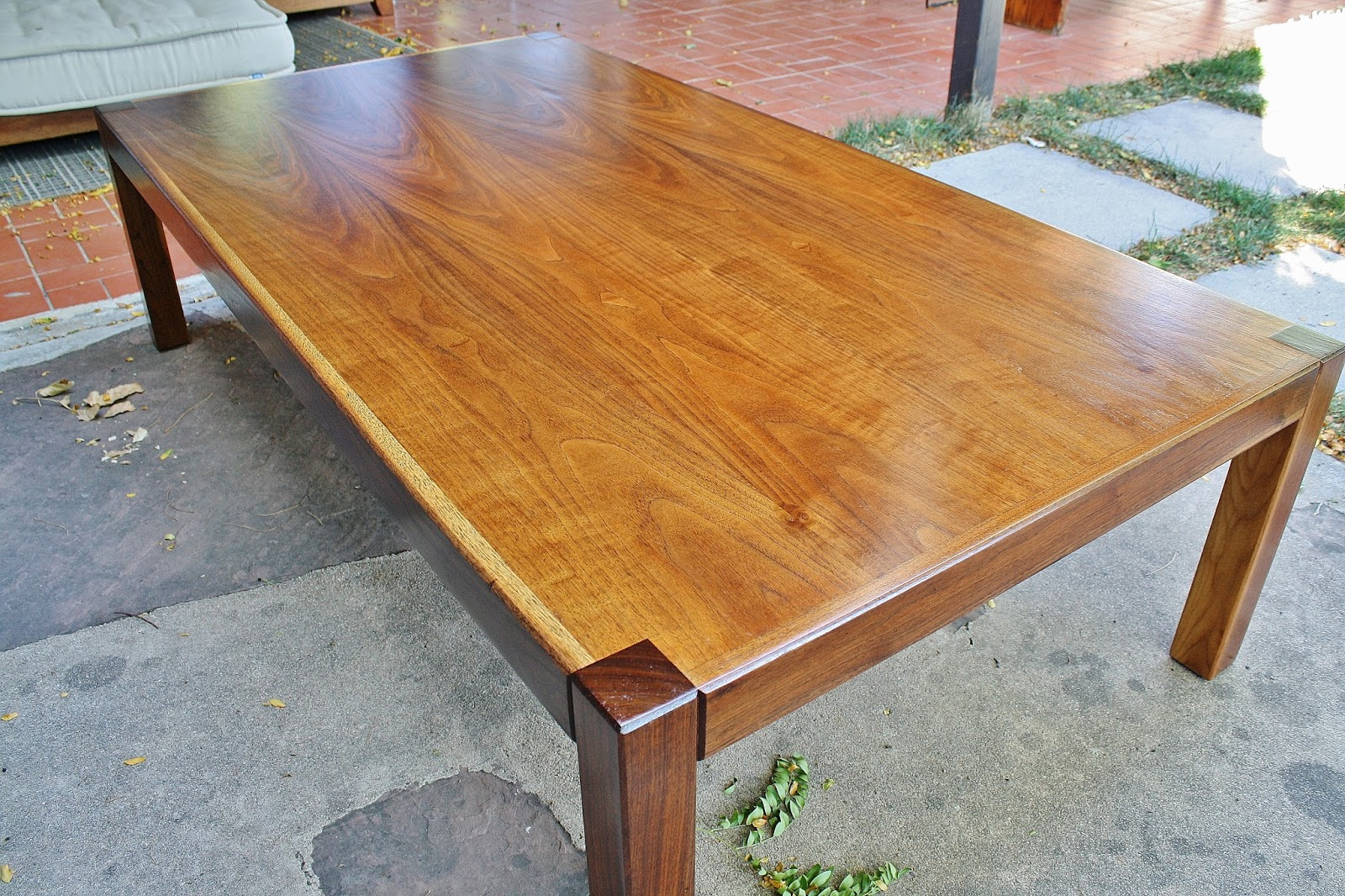 Modwerks large low vintage walnut coffee table for Large low coffee table