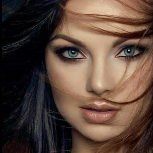 #697 La mujer ideal