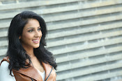 priyashri new sizzling stylish photos-thumbnail-19