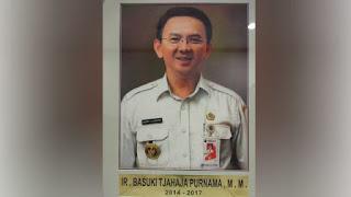 Photo Ahok Dipajang Jadi Bekas Gubernur, Terima Kasih Ahok Kembali Bergema