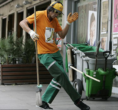 Ziggy Dust: The dancing street cleaner from Poland