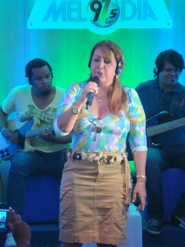 BAIXAR CARVALHAES A DITOSA CIDADE SHIRLEY MUSICA