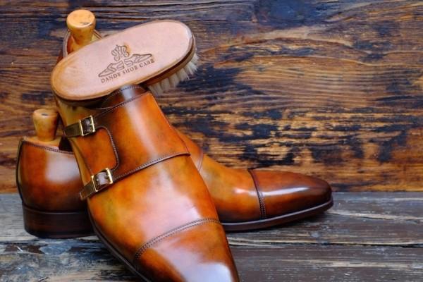 Enam-Teknik-Pintar-Menjaga-Sepatu-Kulit-Supaya-Terus-Bagus-Sampai-Beberapa-puluhan-Tahun-