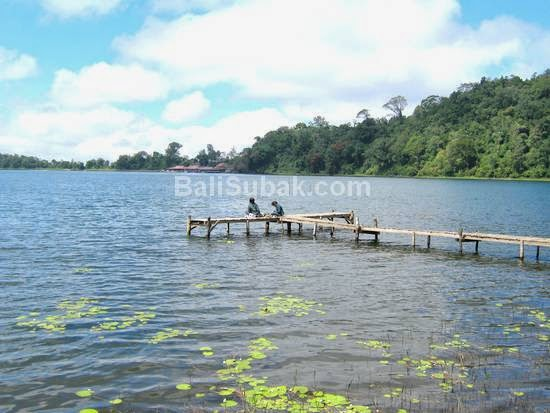 Lake Beratan, attraction in Bali