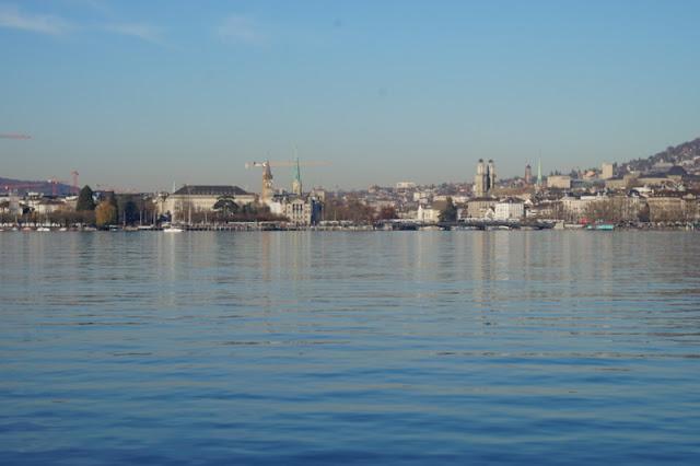zürich järvi kaupunki veden äärellä