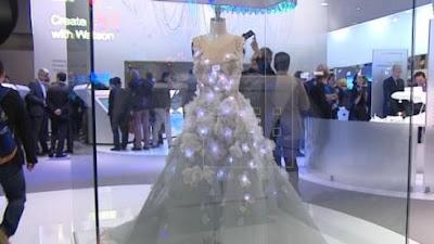 Novedoso vestido que revela las emociones