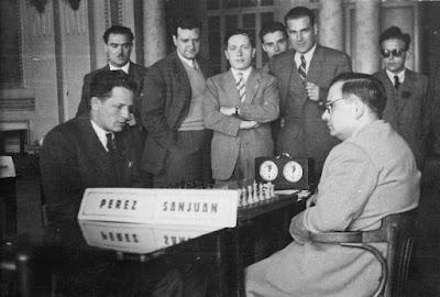 I Torneo Nacional de Ajedrez de Lérida 1948, partida Sanjuán-F. J. Pérez