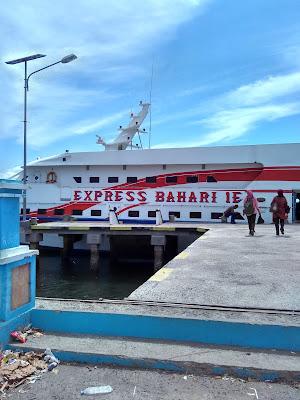 "Kapal Cepat Ternate - Sofifi  ""Express Bahari"""