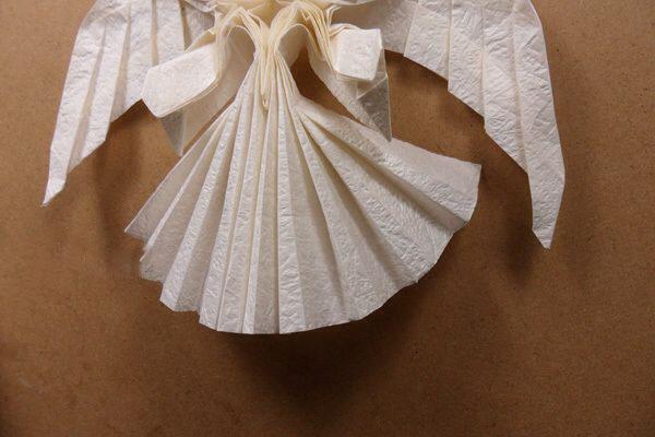 Ангел в технике трехмерное оригами из бумаги (3)