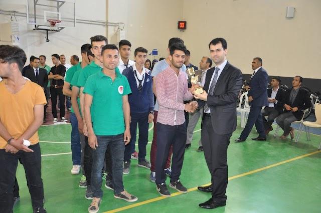 Okul Sporlarında Dereceye Giren Takımlara Kupaları Verildi