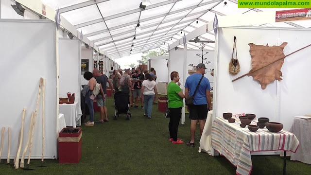 La Feria Insular de Artesanía espera una gran afluencia de visitantes en su último día de apertura al coincidir con una jornada festiva