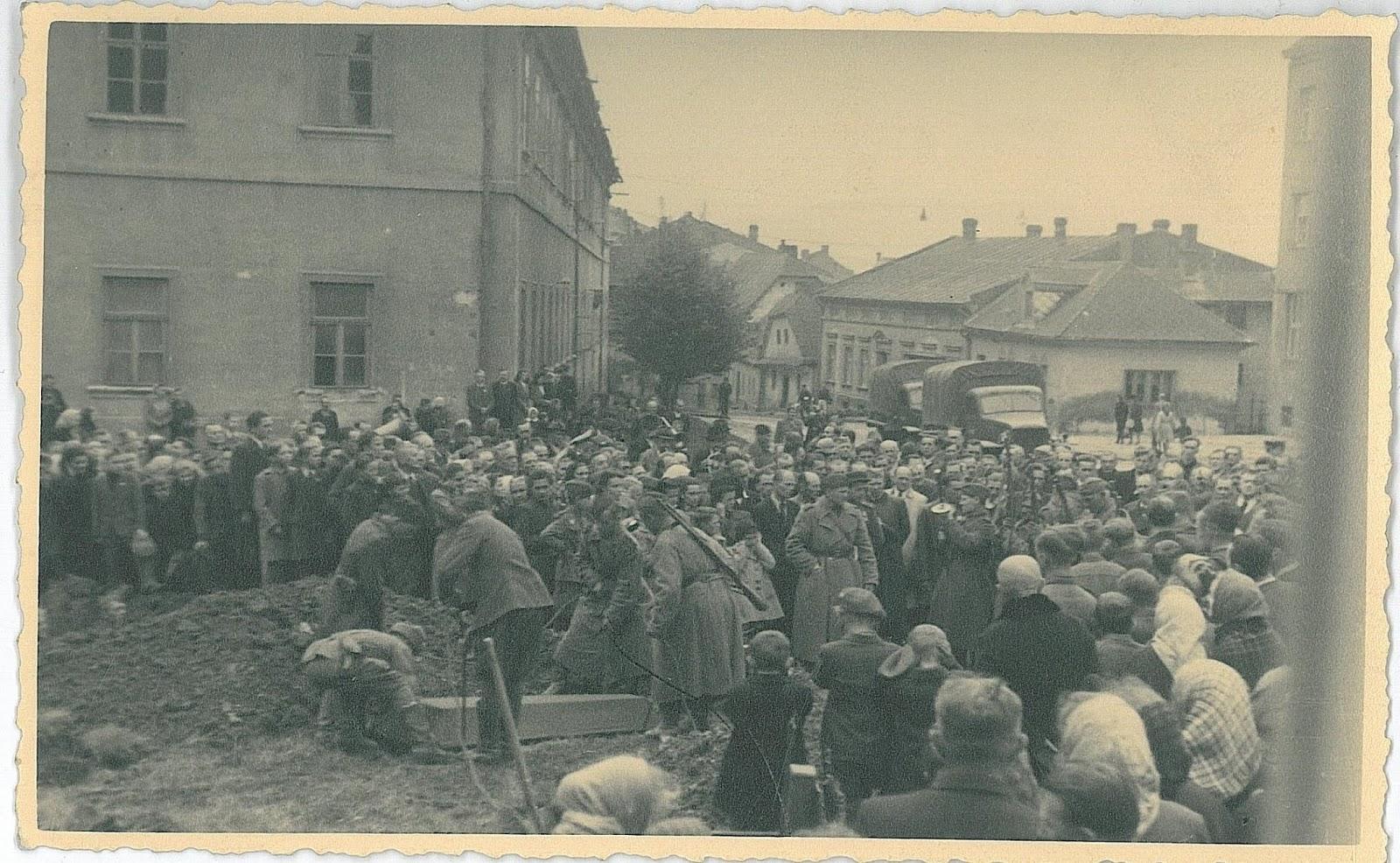 Похороны красноармейцев в Пршиборе. 1945 год, 08 мая.
