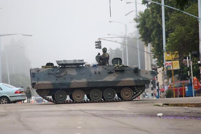 Buongiornolink - Zimbabwe, colpo di Stato. Mugabe è in custodia, la moglie Grace fugge in Namibia