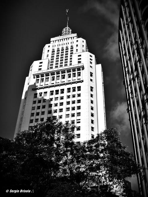 Fachada do Edifício Altino Arantes - Banespão - Centro - São Paulo