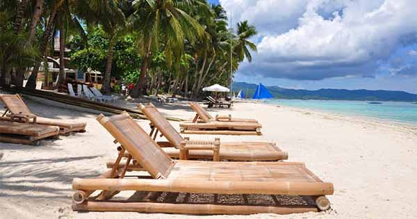 boracay tourist attractions The island of boracay is a tiny island located 196 miles south of manila just off the northwest tip of panay island, between the visayan sea to the east and the sulu sea to the southwest.