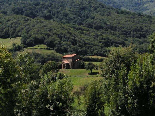 Santa Cristina de Lena en Pola de Lena (Asturias-España)
