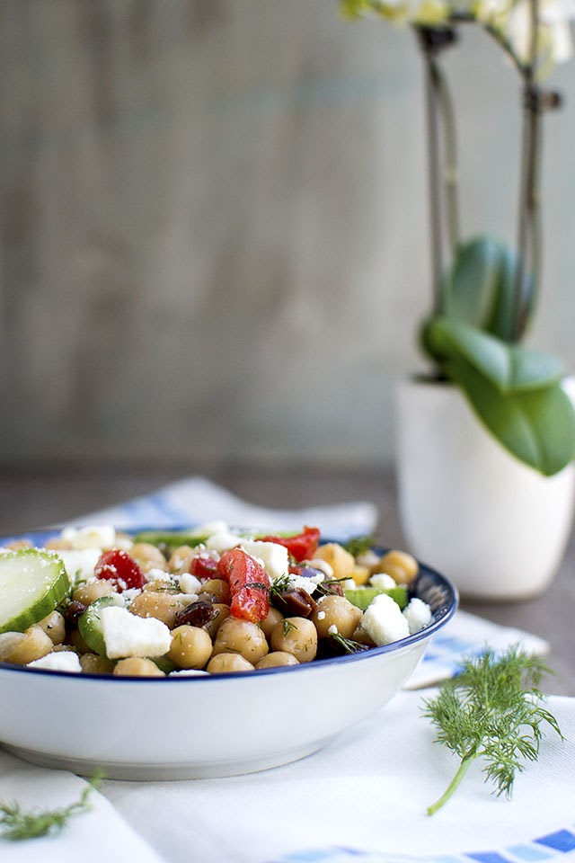 Greek style Cucumber & Chickpea Salad