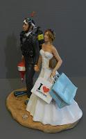 sposi torta sposa appassionata di moda shopping sposo sommozzatore orme magiche