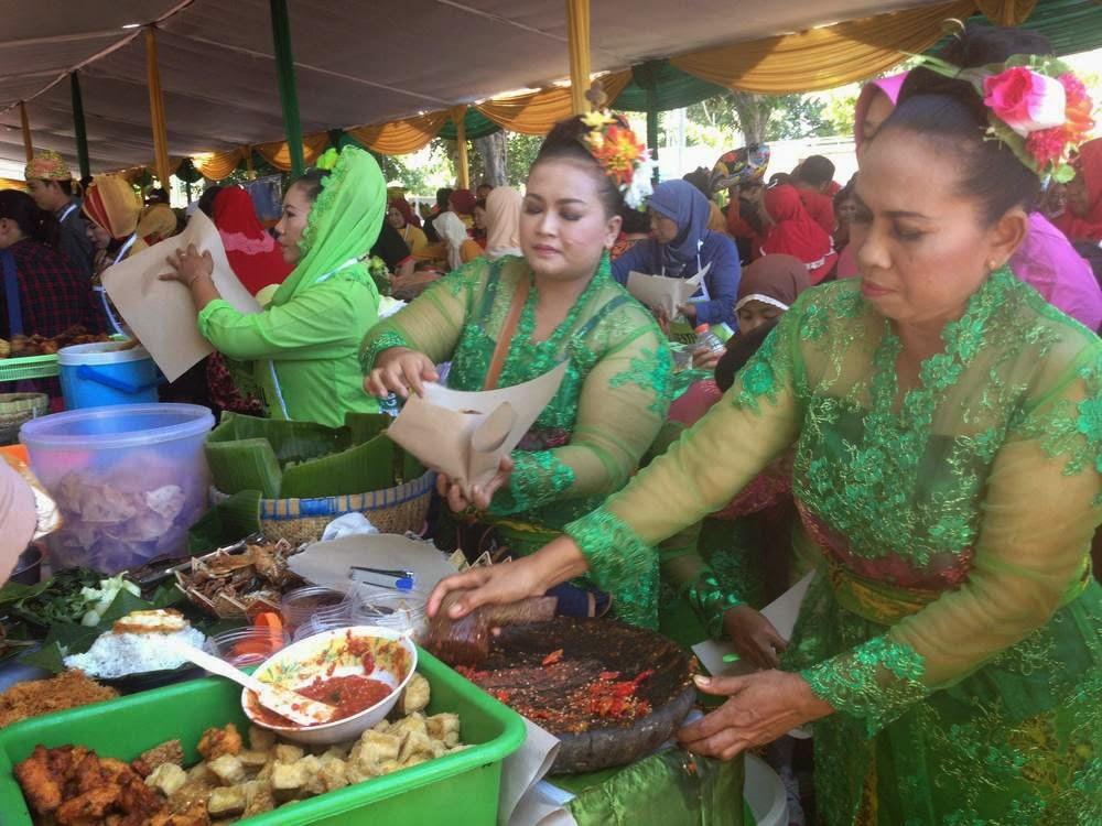 Festival kuliner Sego Tempong Banyuwangi