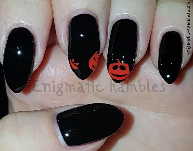 Stamped-Pumpkin-Nails