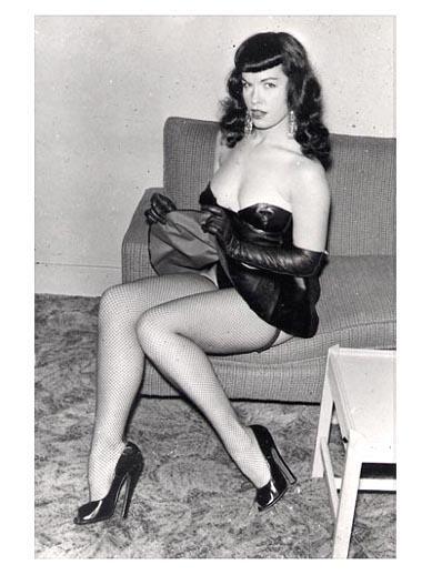 Vintage RETRO Nylon: BEAUTIFUL LEGS