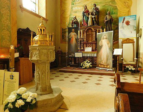 Chrzcielnica, przy której został ochrzczony Jan Paweł II.