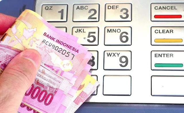 Rupiah Anjlok ke Rp14.104/USD Pasca-BI Naikkan Suku Bunga