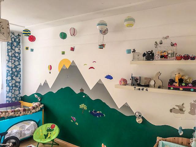 babyzimmer wandbild berge
