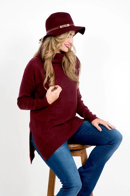 Fashion Editorial - Cosy in Burgundy    Jane Wonder