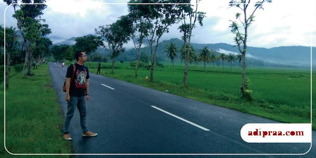 Swafoto di Jalan Raya Kaligesing | adipraa.com