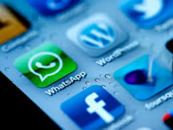 مخترع مغربي يبتكر تطبيقا لترجمة المكالمات الهاتفية الفورية